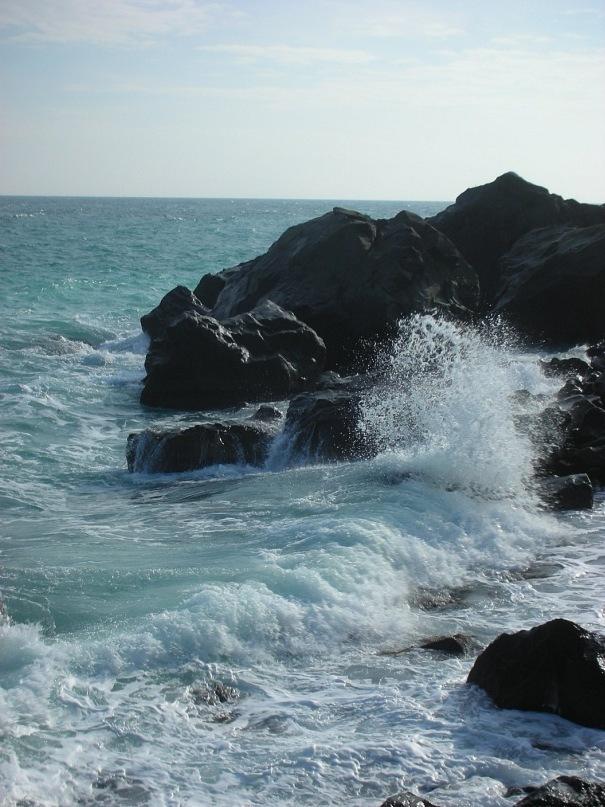 Пляж в Алупке