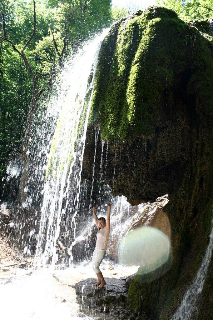 серебряные струи водопад